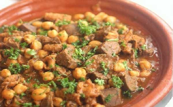Bakbouka (tripes de mouton en sauce)