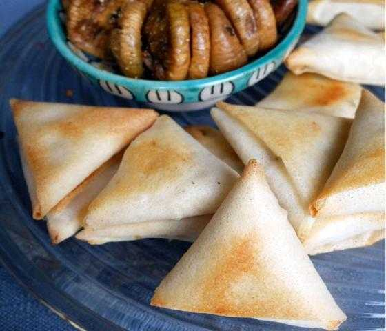 Briouates au fromage blanc et cachir