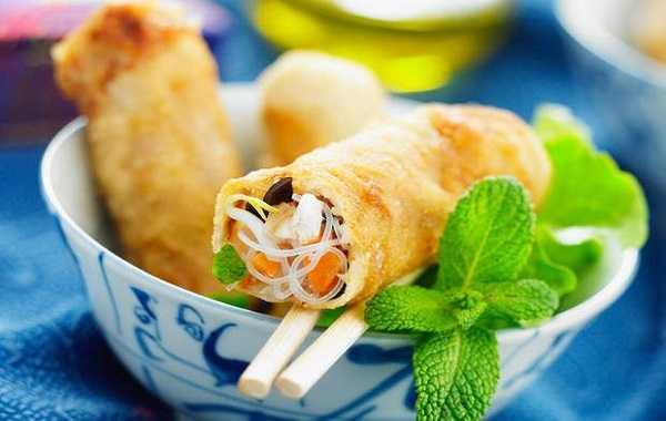 Cigares au poulet et vermicelle chinois