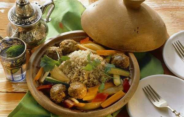 Couscous à la viande hachée et légumes