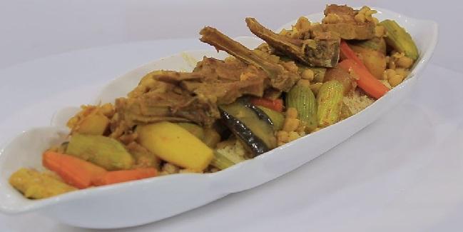 Couscous aux côtelettes d'agneau et légumes