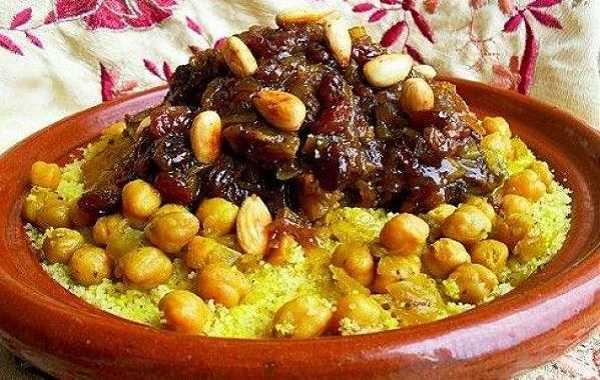 Couscous poulet, pois chiches et raisins secs