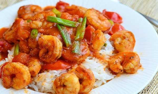 Crevettes à la sauce tomate épicée