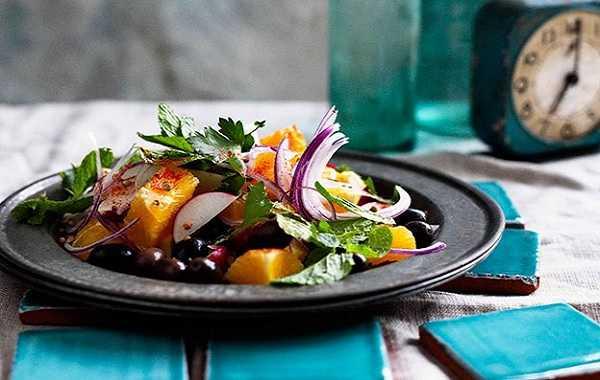 Salade d'oranges aux olives noires