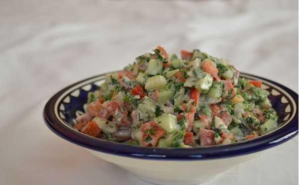 Salade de crudités au tahina
