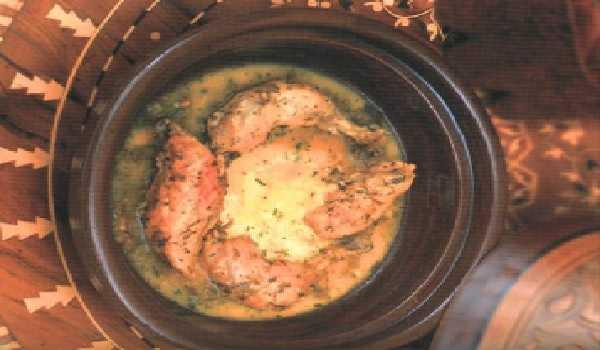 Tajine aux cuisses poulet et oeufs