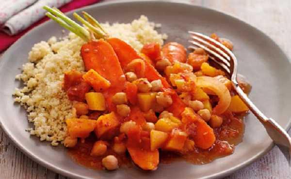 Tajine de courge aux carottes et pois chiches