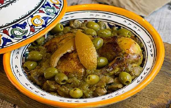 Tajine de lapin au citron confit et aux olives