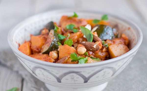 Tajine de légumes aux fruits secs