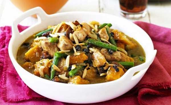 Tajine de poulet aux haricots verts et à la citrouille