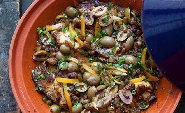 Tajine de poulet aux olives et au citron confit