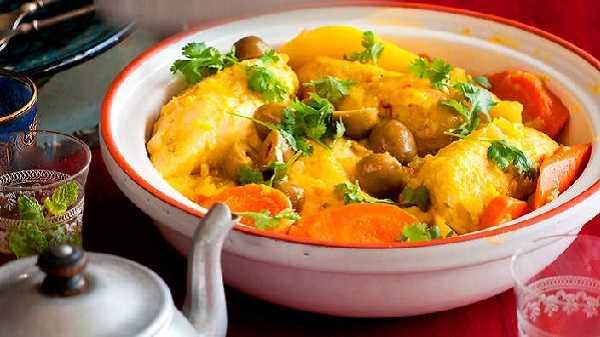 Tajine de poulet aux pommes de terre et carottes