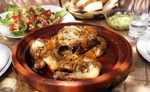 Tajine de poulet aux oignons caramélisés