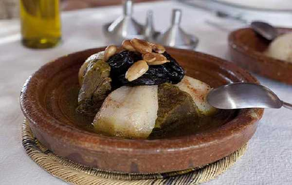 Tajine lham lahlou(fruits secs, poires, pommes)