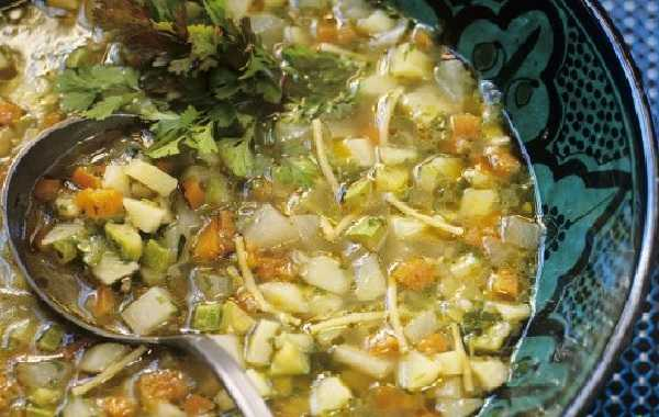 Chorba de légumes et pois chiches