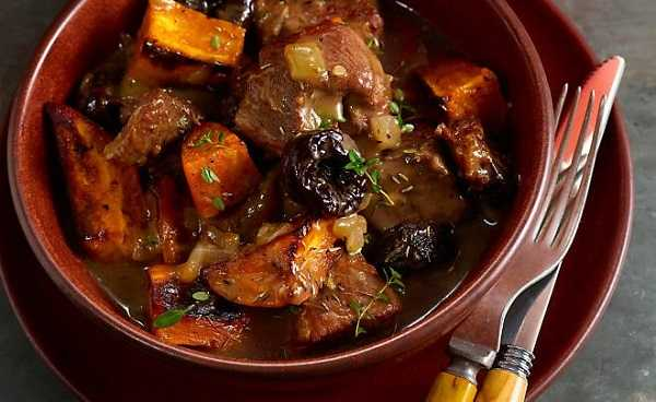 Tajine de boeuf aux pruneaux et carottes