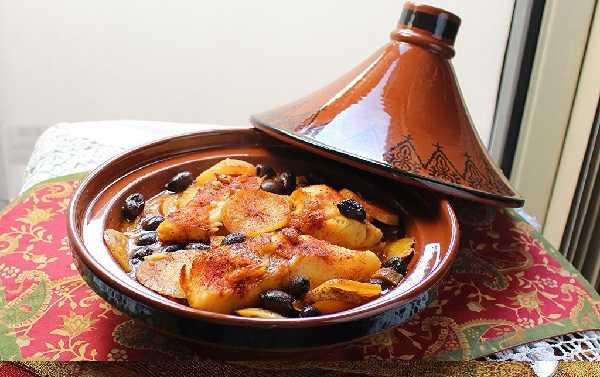 Tajine de poisson aux tomates et olives