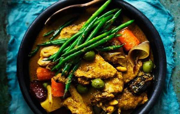 Tajine de poulet aux haricots verts et carottes