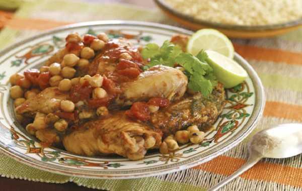 Tajine de poulet aux pois chiches et poivrons rouges
