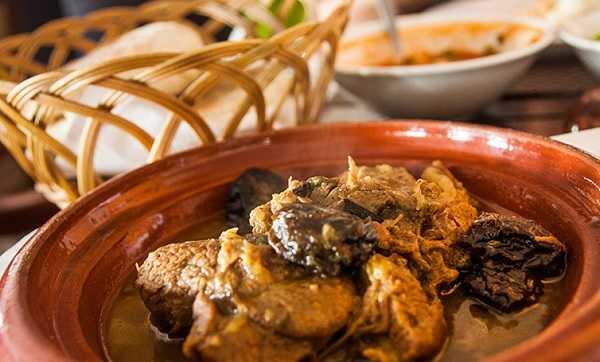 Tajine de viande aux pruneaux Marocain