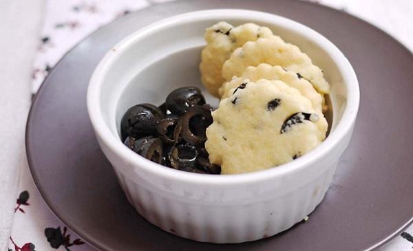 Biscuits apéritifs aux olives