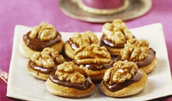 Bouchées aux noix et chocolat