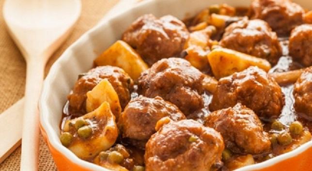 Boulettes de viande hachée aux pommes de terre (Mkaffet)