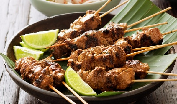 Brochettes de mouton au curry