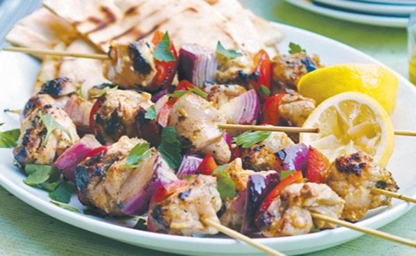 Brochettes de poulet au papkika