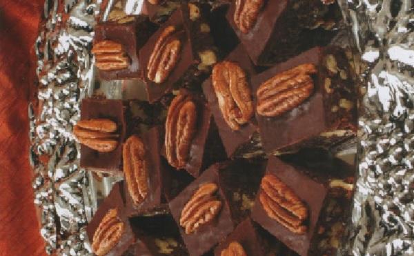 Carrés aux noix et chocolat