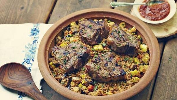 Côtelettes d'agneau marinées grillées