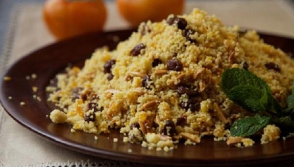 Couscous aux amandes et raisins secs