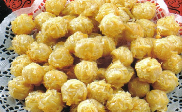 Gâteaux d'amandes et feuilles de pastilla