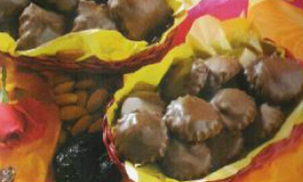 Gâteaux aux fruits secs et chocolat