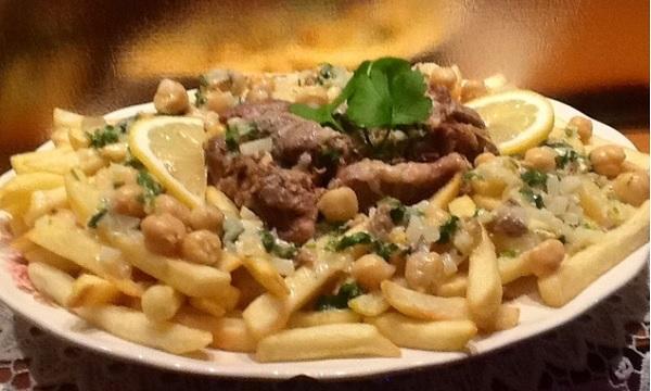 Kbab aux pommes de terre