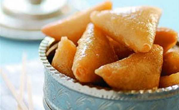 Briouates aux amandes enrob�es de miel