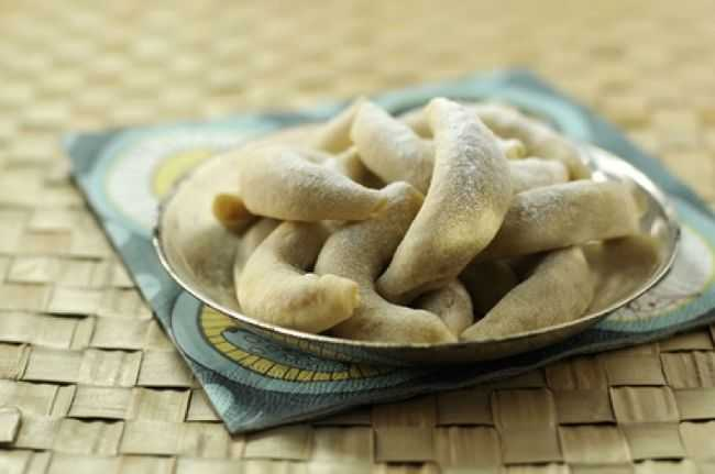 Cornes de gazelle aux amandes et pistaches