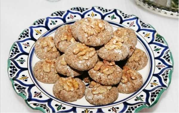 Ghoriba aux dattes et noix