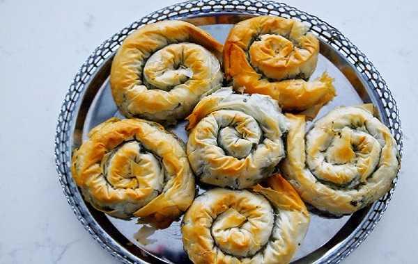 Mhancha aux noix et amandes  Choumicha  Cuisine Marocaine Choumicha ,