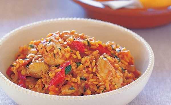 Riz au poulet � la sauce tomate