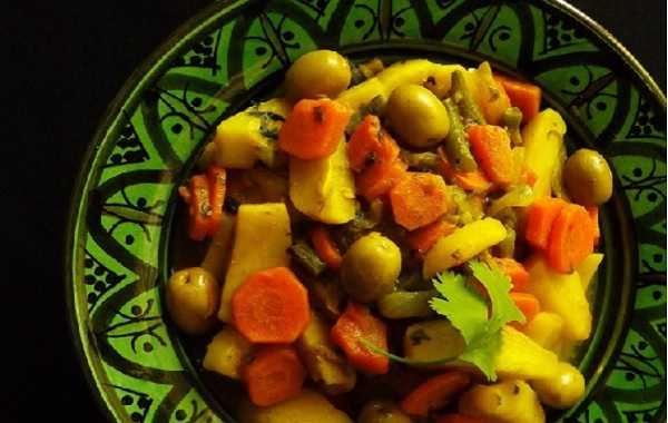 Tajine de pommes de terre aux carottes et haricots verts