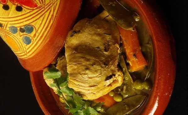 Tajine de poulet aux petits pois et haricots � mange-tout �