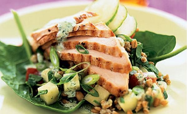Rôti de poulet et salade de blé