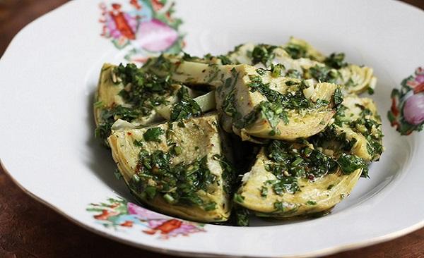 Salade d'artichauts marinés