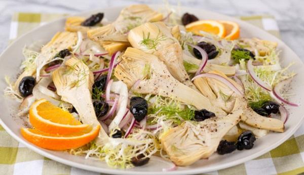 Salade d'oranges et d'artichauts