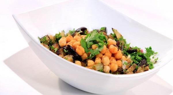 Salade d'aubergine et pois chiches