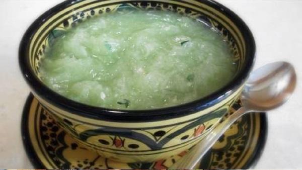 Salade de concombre au thym