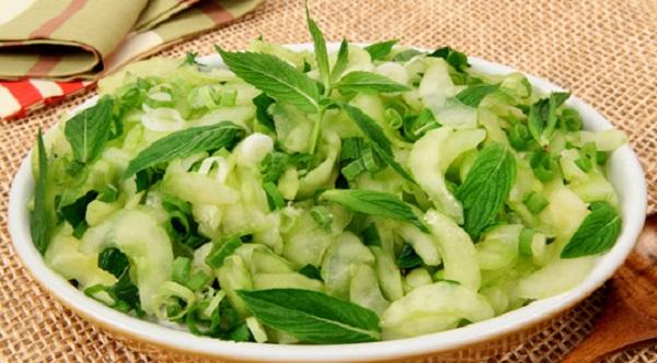 Salade de concombre à la menthe
