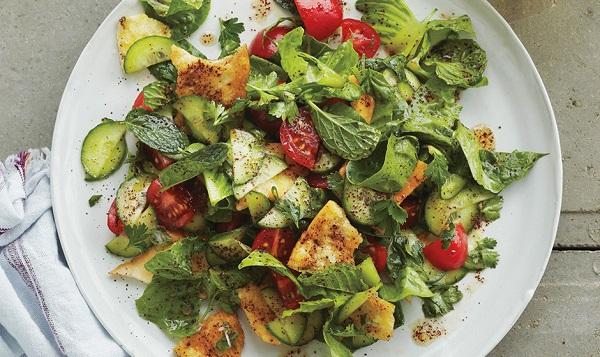 Salade Libanaise au pain grillé