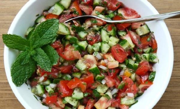 Salade de tomate et concombre à la Marocaine